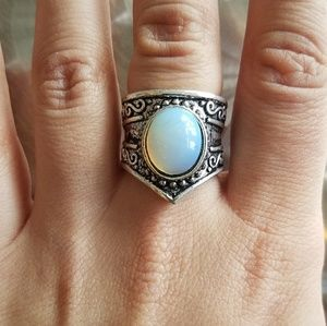 Jewelry - NWOT Silver Opal Ring